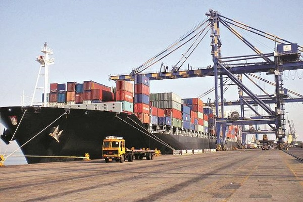 US looks to strike trade balance with India