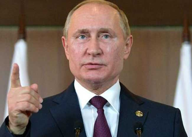 Russian President Vladimir Putin supports cutting oil production